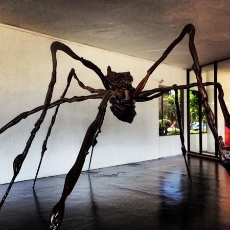 Modern Art Museum of Sao Paulo: l'une des œuvres monumentale de l'expo, non nommé ou il s'agit d'une œuvre monumentale de l'expo