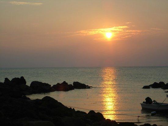 B&J Diving Centre: beautiful sunset