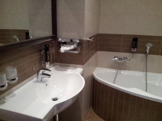 Hotel Galileo Donovaly : bathroom