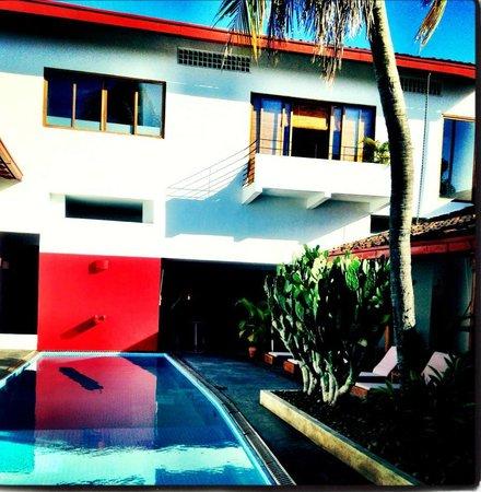 Los Patios Hotel: pool and suite