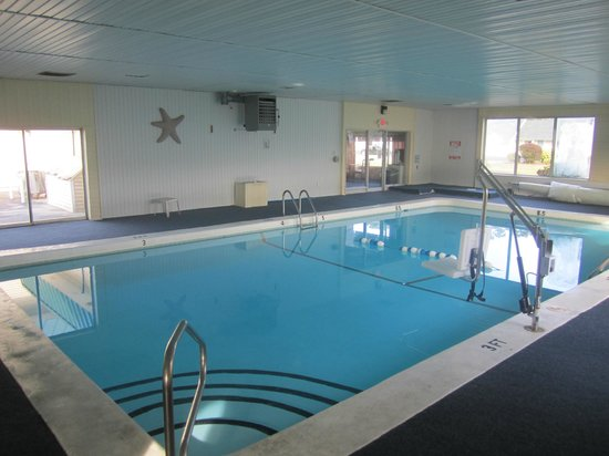 Travelodge West Yarmouth Cape Cod: Small indoor pool