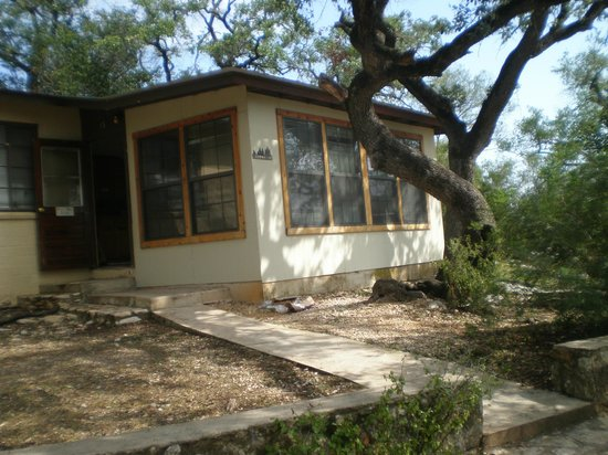 Neal's Lodges: Cabin 15