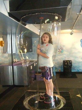 Explorium: 9 yr old in the bubble