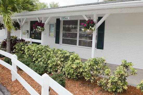 Groves RV Resort : Main Office
