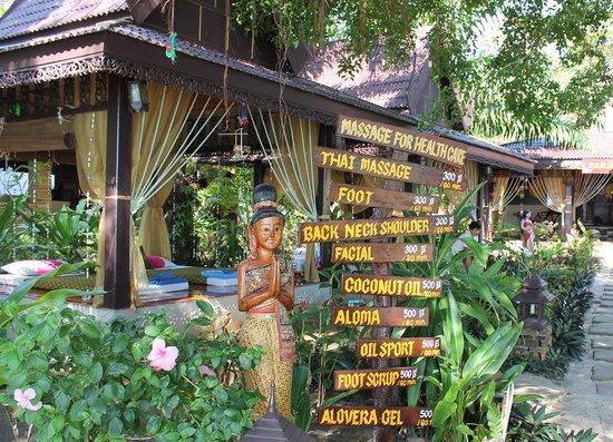 Phi Phi Paradise Pearl Resort: entrata alla Spa