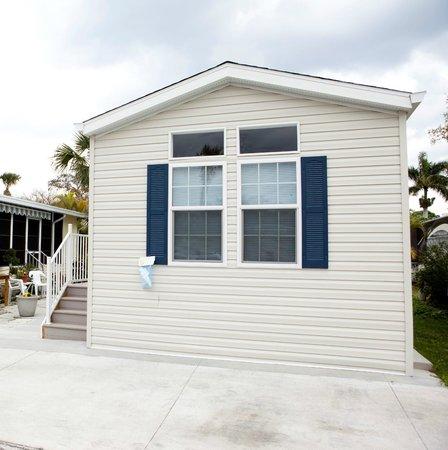 Groves RV Resort : Cottage Rentals