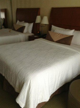 Hilton Garden Inn Montreal Centre-ville: Beds