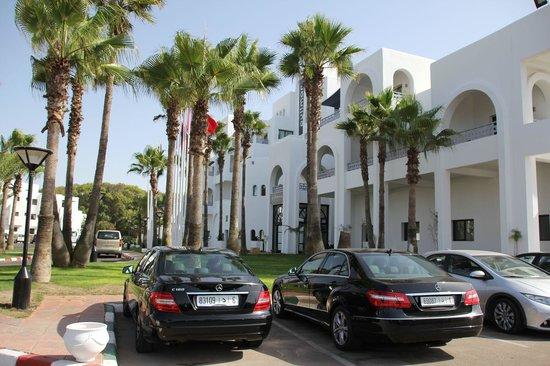 Hôtel Pullman Mazagan Royal Golf & Spa : entrance of the hotel