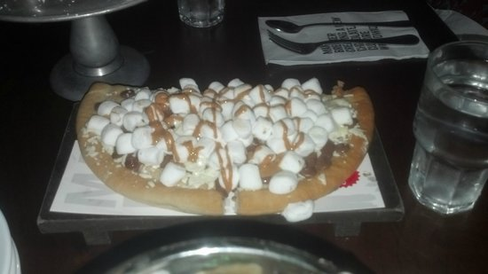 Max Brenner: chocolate pizza