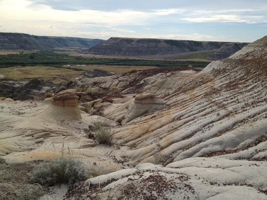 Horsethief Canyon: a great view inside the canyon with mini hoodoos too!