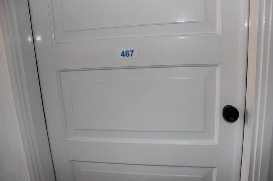 Atali Village: дверь в номер