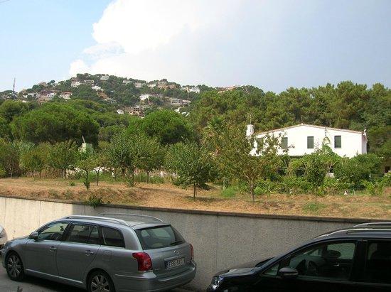 Els Llorers: vue cote entrer 1er residence
