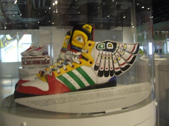 Bata Shoe Museum: Adidas nuovo modello 2013