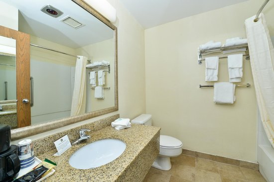 Best Western Wytheville Inn: Bathroom
