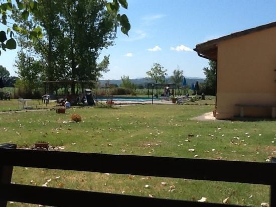 Agriturismo Ristorante Casa Cantone : scorcio della piscina
