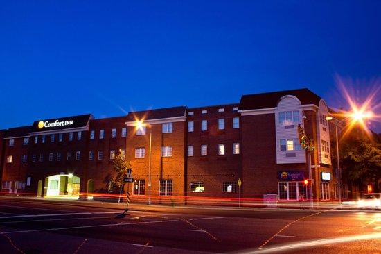 Comfort Inn Ballston: Hotel Facade