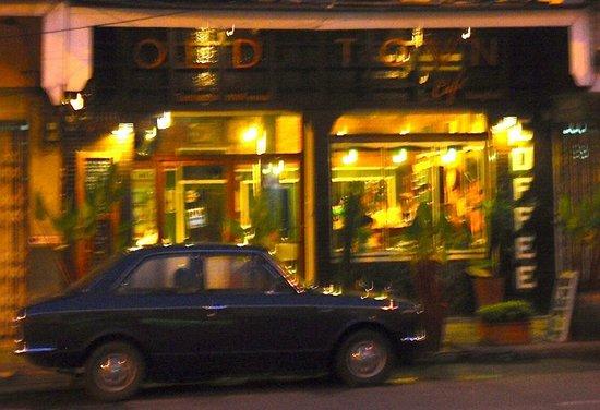 Old Town Cafe Bangkok: by night