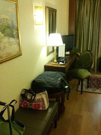 Electra Hotel Athens : zona tv e mobile