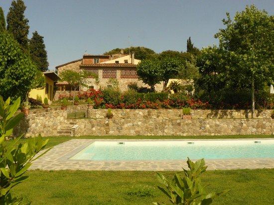Agriturismo conca verde hotel scandicci italia prezzi for Conca verde piscine