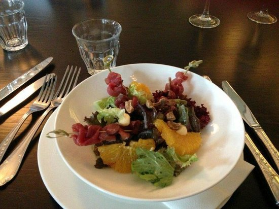 Hotel Borg by Keahotels: Salad at dinner