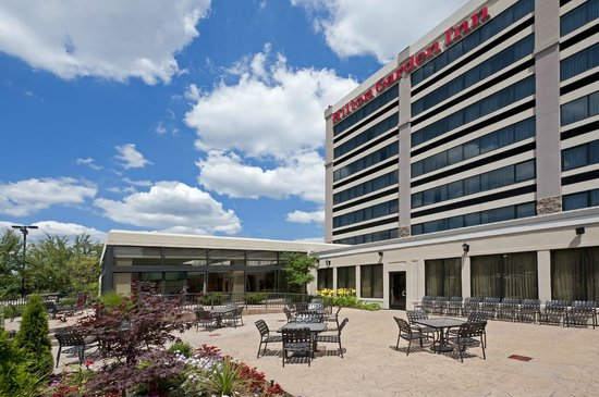 Hilton Garden Inn Detroit Southfield: Hilton Garden Inn Detroit Southfield    Exterior