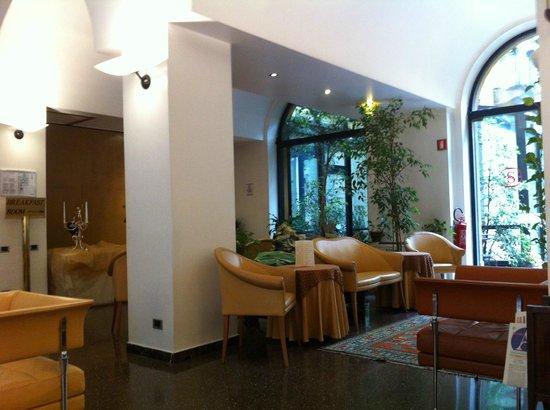 Hotel Sanpi Milano: Intérieur de l'hôtel