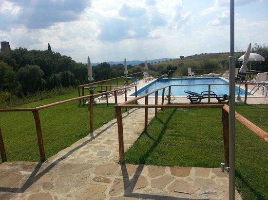 La piscina del Casale Giuncheto