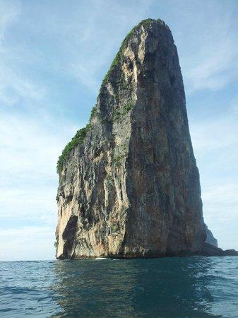 Phi Phi Island Village Beach Resort: pinnacle of Phi Phi Leh Phi Phi Dive club