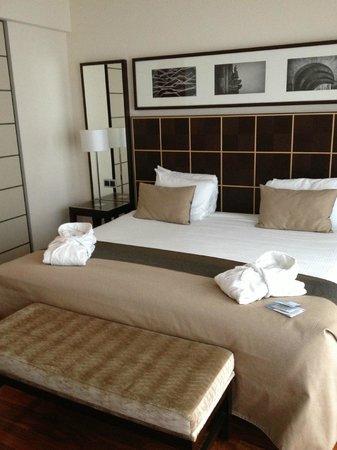 Eurostars Berlin Hotel: Huge Bed