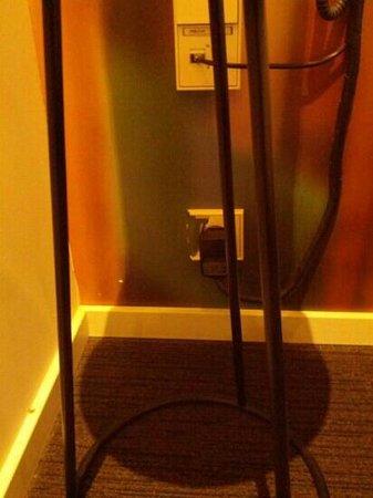 Conscious Hotel Vondelpark: broken plug