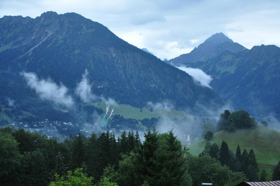 Hotel Bergruh: Morgendlicher Blick vom Balkon