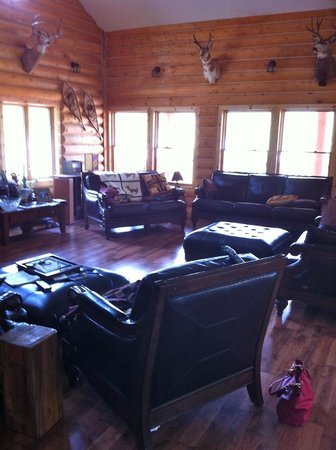York Creek Bed & Breakfast: The big comfy gathering place- great room