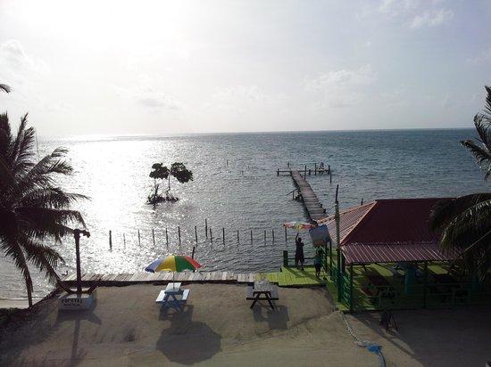 Popeyes Beach Resort: Third floor view.