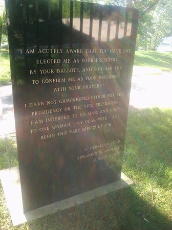 Gerald R. Ford Museum: a plaque opposite President Ford's grave