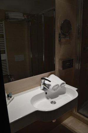 Hotel Cenacolo: bagno