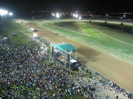 Lone Star Park: Racing That Rocks You!