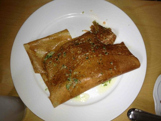 Cafe Bistro du Cap : savory crepe with salmon and shrimp with garlic butter