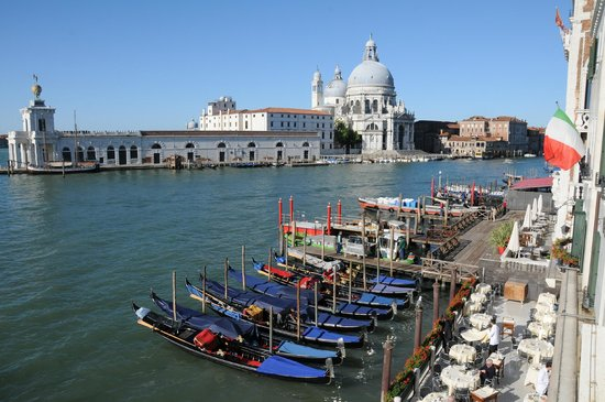 Hotel Monaco & Grand Canal : View from Suite