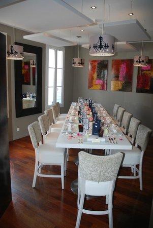 Salon priv pour 12 14 couverts picture of l 39 oiseau bleu bordeaux tripadvisor - Restaurant l oiseau bleu ...