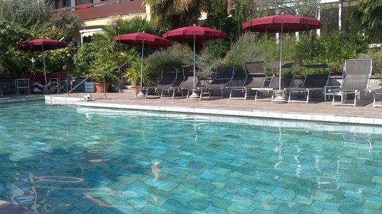 Hotel Gartenresidence Zea Curtis: La piscina