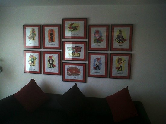 Red Fox Hotel Jaipur: Lobby Wall. Fox Cartoons.