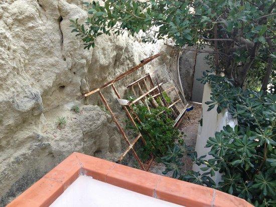 Le Roccette San Leonardo: Fuori dalla camera