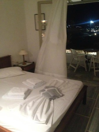 Despina's Rooms & Apartments: Cozy room with fantastic view
