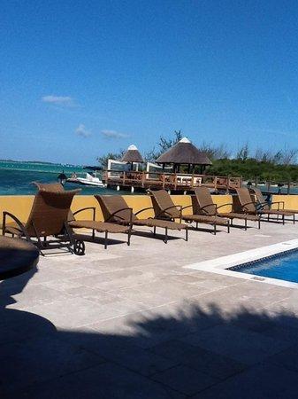Augusta Bay Bahamas: Pool deck