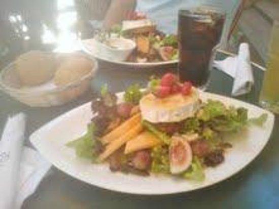Ekberg : Goat cheese salad