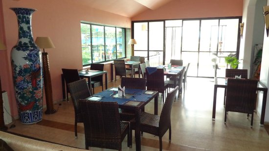 10 Calangute: Dining area