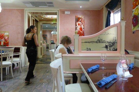 Pizzeria San Remo : intérieur du San Remo