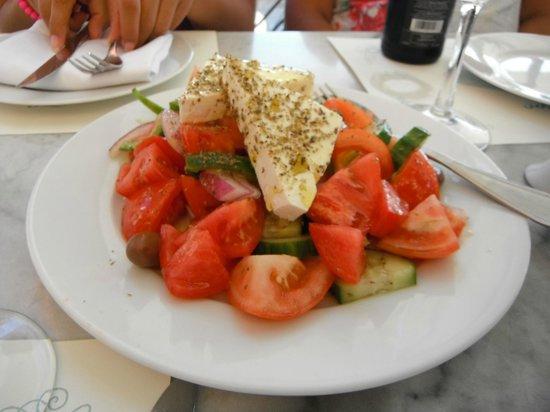 Kastro Oia Restaurant: Ensalada Griega