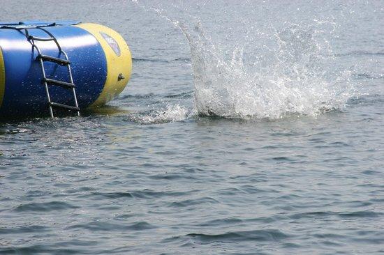 Bay Side Inn: Water Fun!