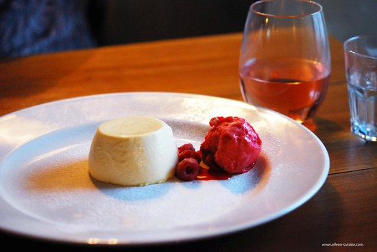 Back Street Bistro: White chocolate and orange panna cotta